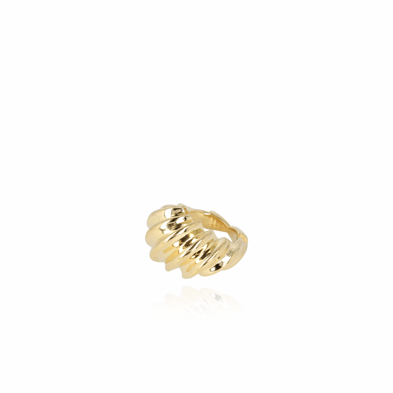 Classic wave ring