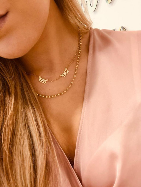 Golden twisted chain necklace