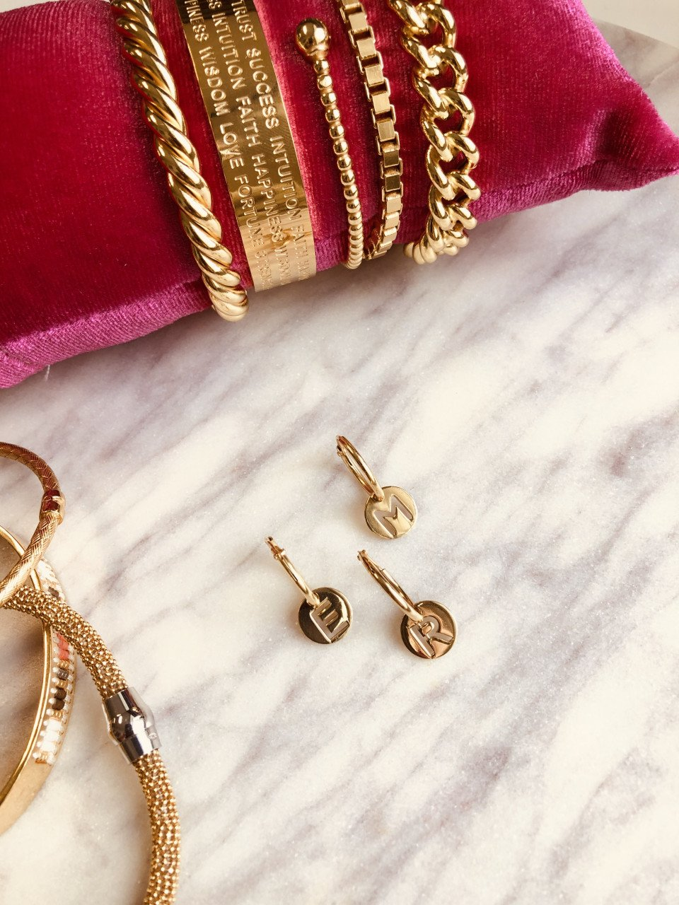 One-piece Golden initial earring